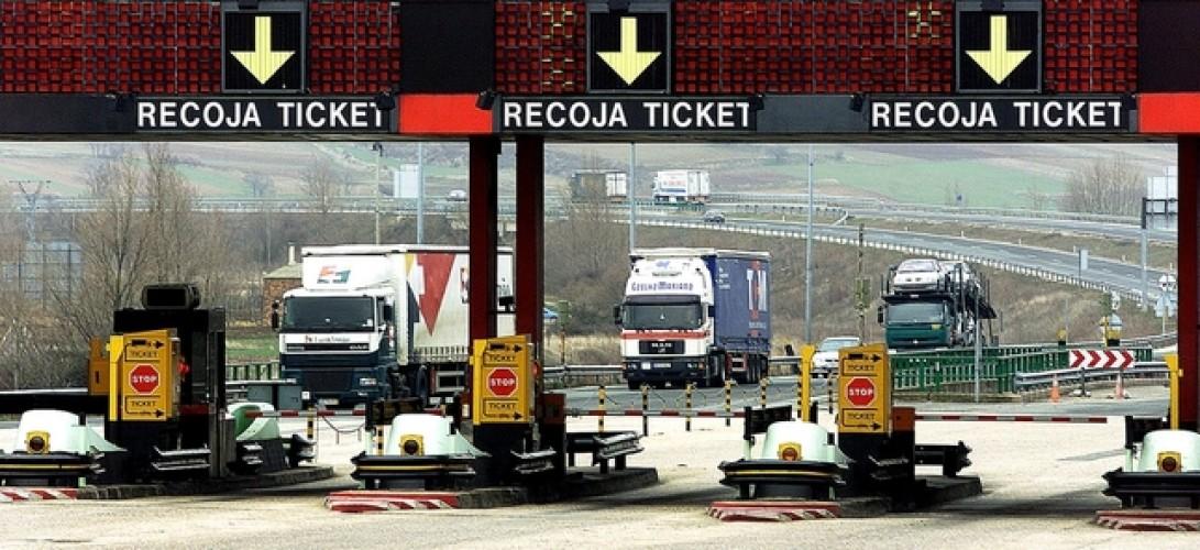 los-nuevos-peajes-elevan-350-euros-al-mes-los-costes-de-los-transportistas.