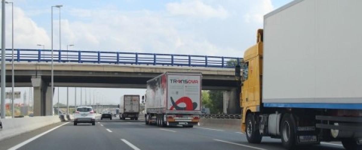transportistas-y-cargadores-se-reunen-en-un-clima-de-desconfianza-mutua.